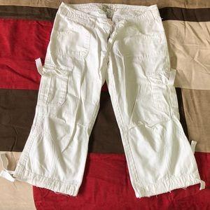 White BKE capris